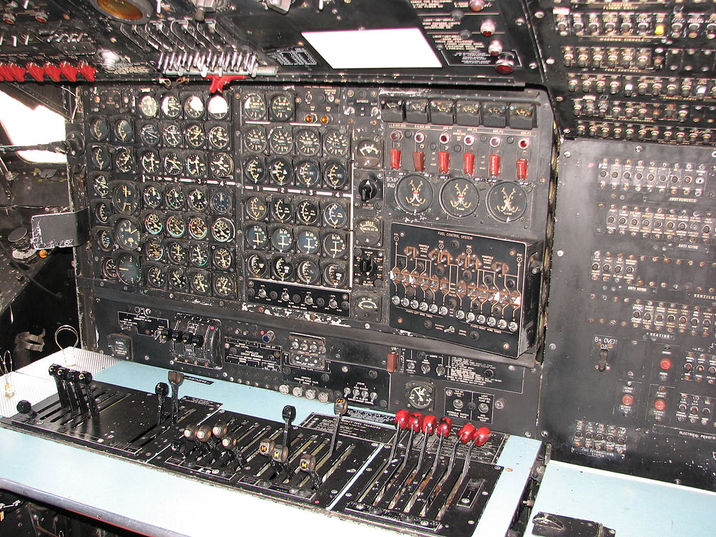1024px-Douglas_C-124_Globemaster_II_flight_engineer_station.jpg