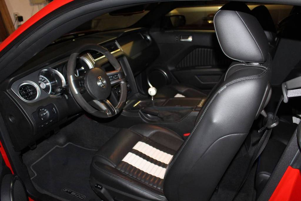 2011 GT500, Pulley'd, Tuned, Ford 9in, Low miles, Garage Queen