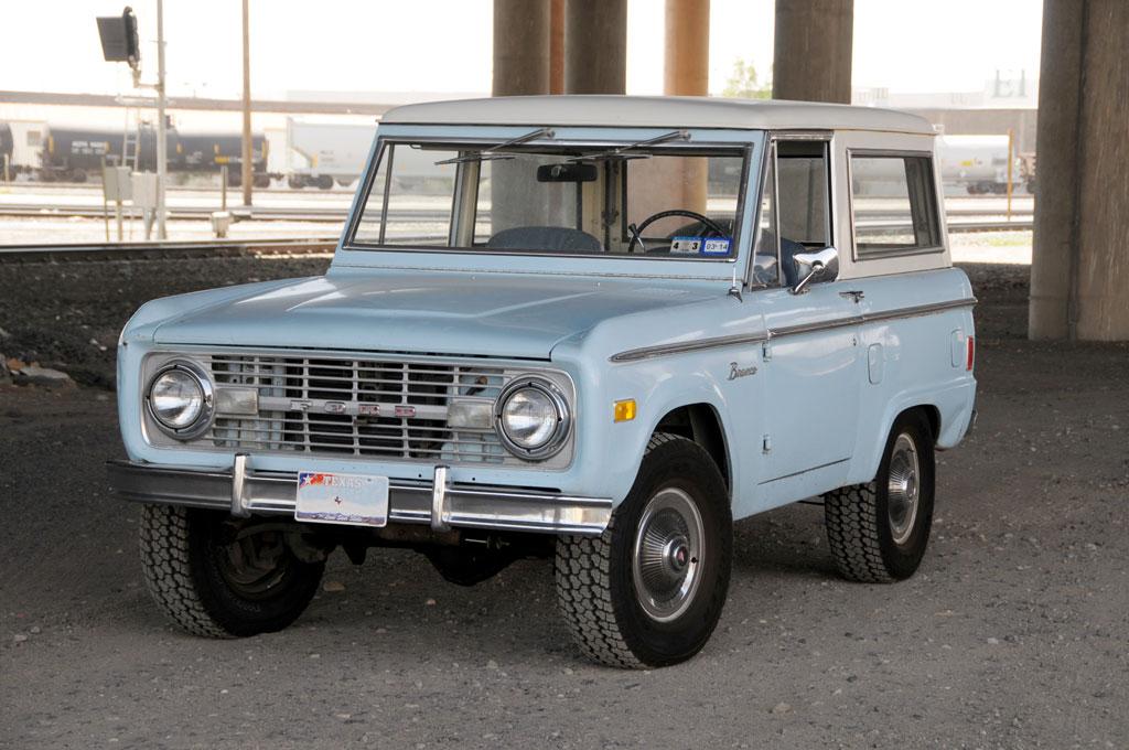 1977-Ford-Bronco-Front-Three-Quarter.jpg