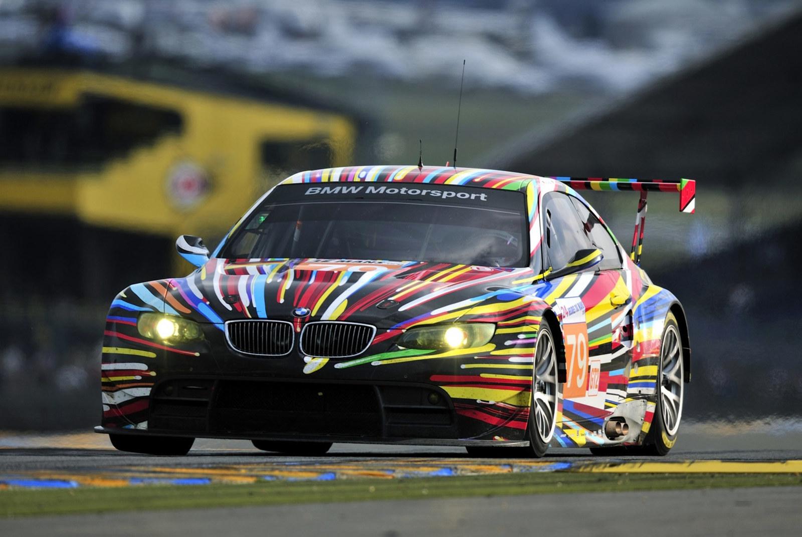 2010-BMW-M3-GT2-Jeff-Koons-Art-Car.jpg