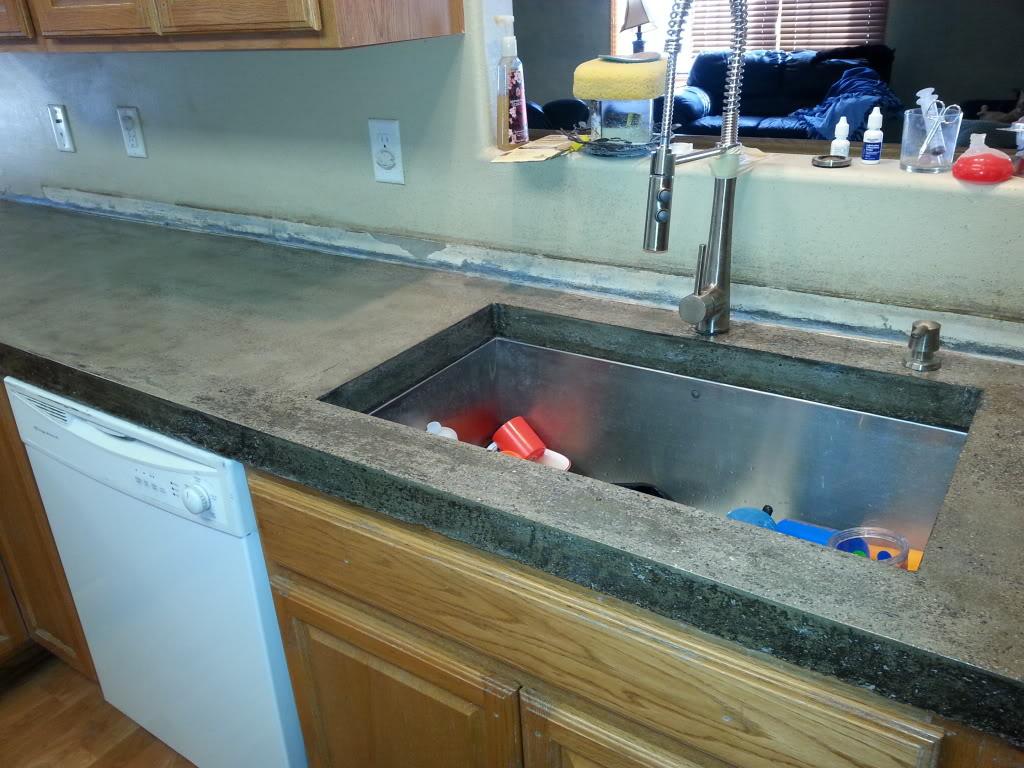 Anyone ever done concrete countertops? Pics of mine ...