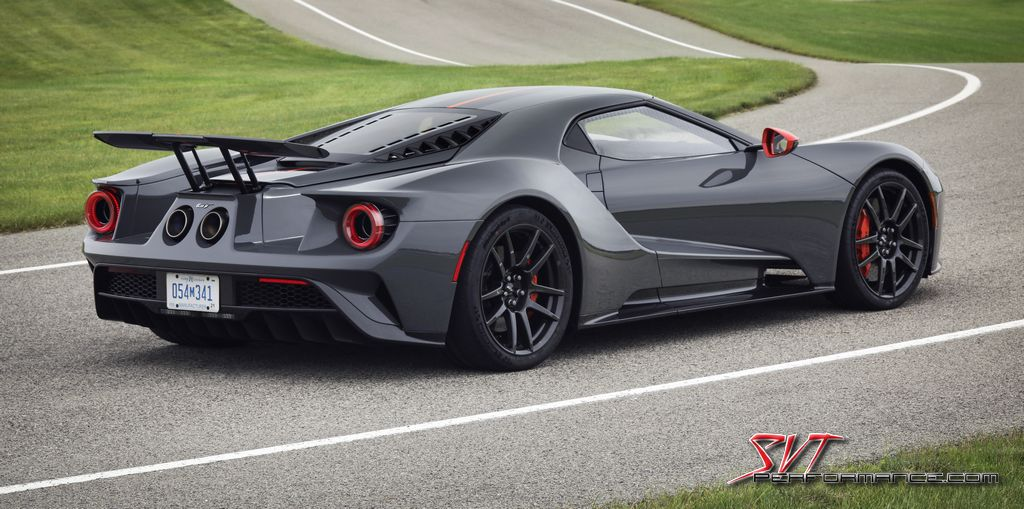 2019_Ford_GT_Carbon_003.jpg