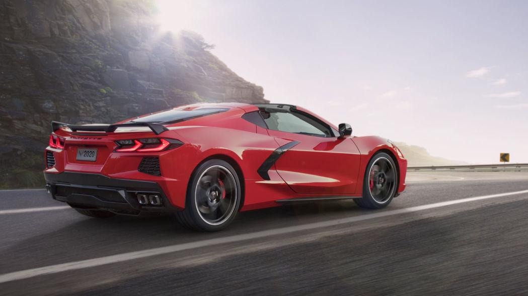 2020-chevrolet-corvette-c8-01.jpg