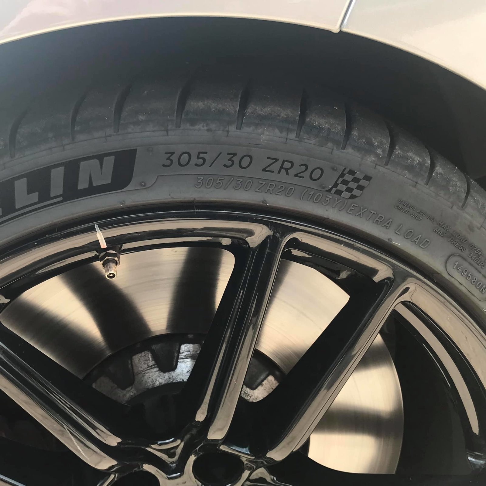 2020 GT500 Base Silver Front Tire Size.jpg