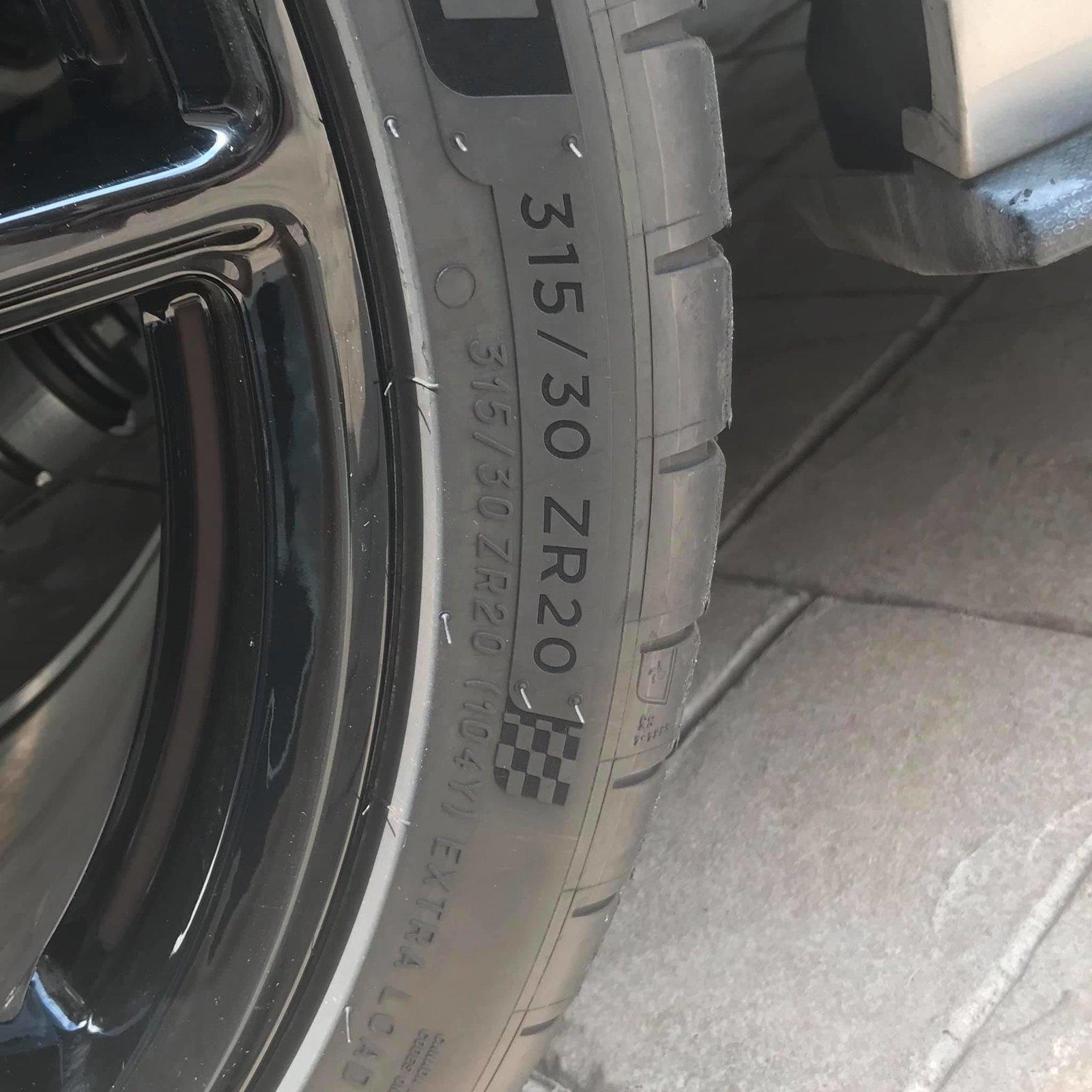 2020 GT500 Base Silver Rear Tire Size.jpg
