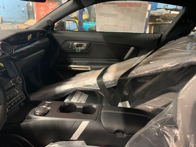 2020 GT500 interior.jpg