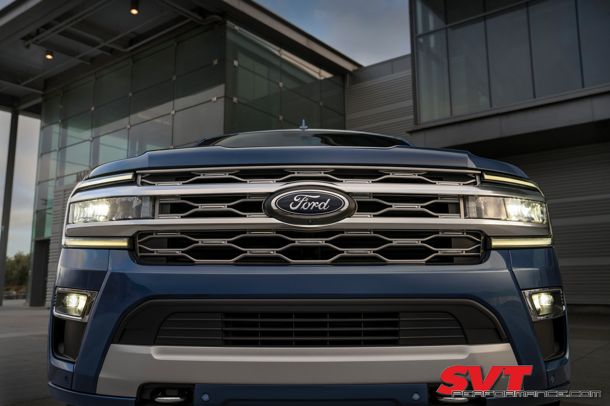 2022 Ford Expedition Platinum_Infinite Blue_04.jpg