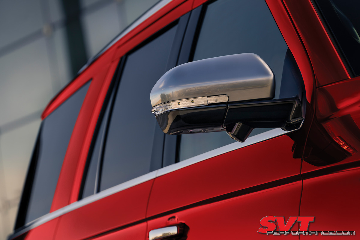 2022 Ford Expedition Platinum_Rapid Red_02.jpg