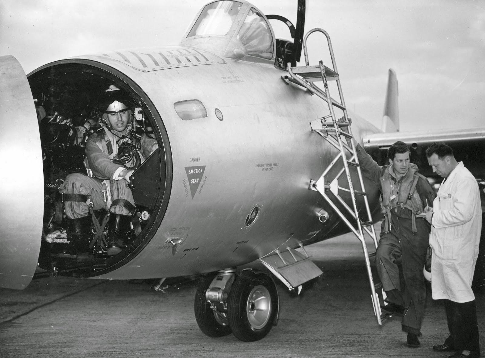 AC-5-3498.jpg