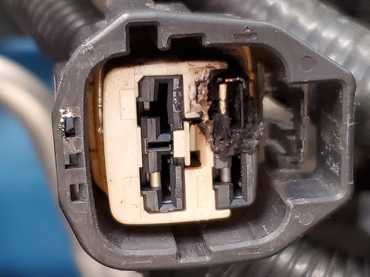 Burned connector.jpg