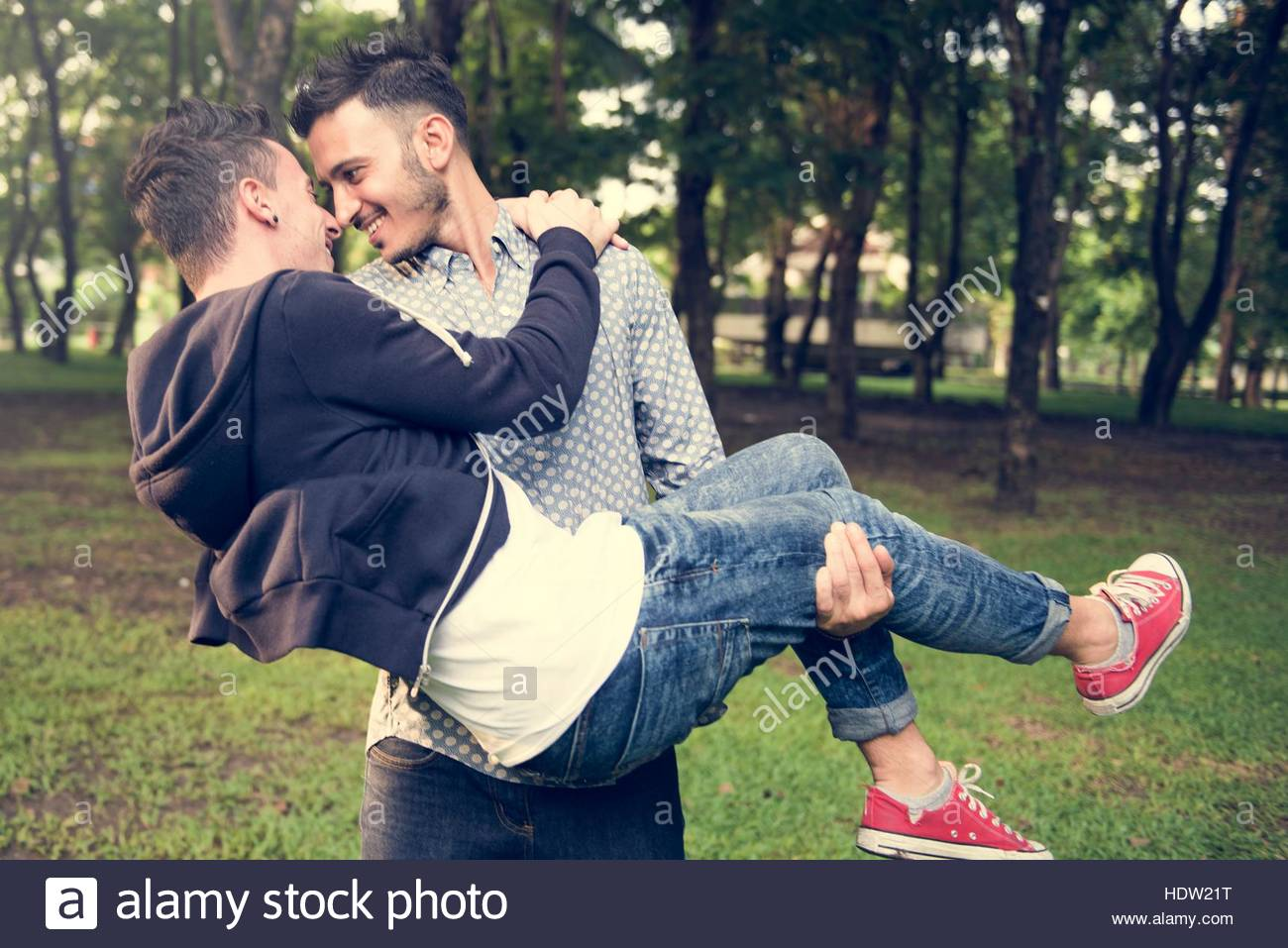 gay-couple-love-outdoors-concept-HDW21T.jpg