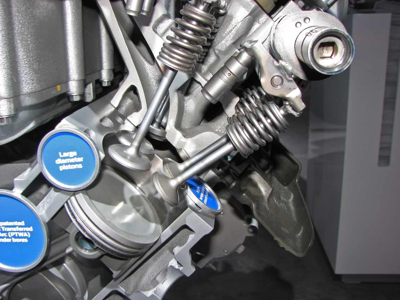 GT500cylindervalvesetc.jpg