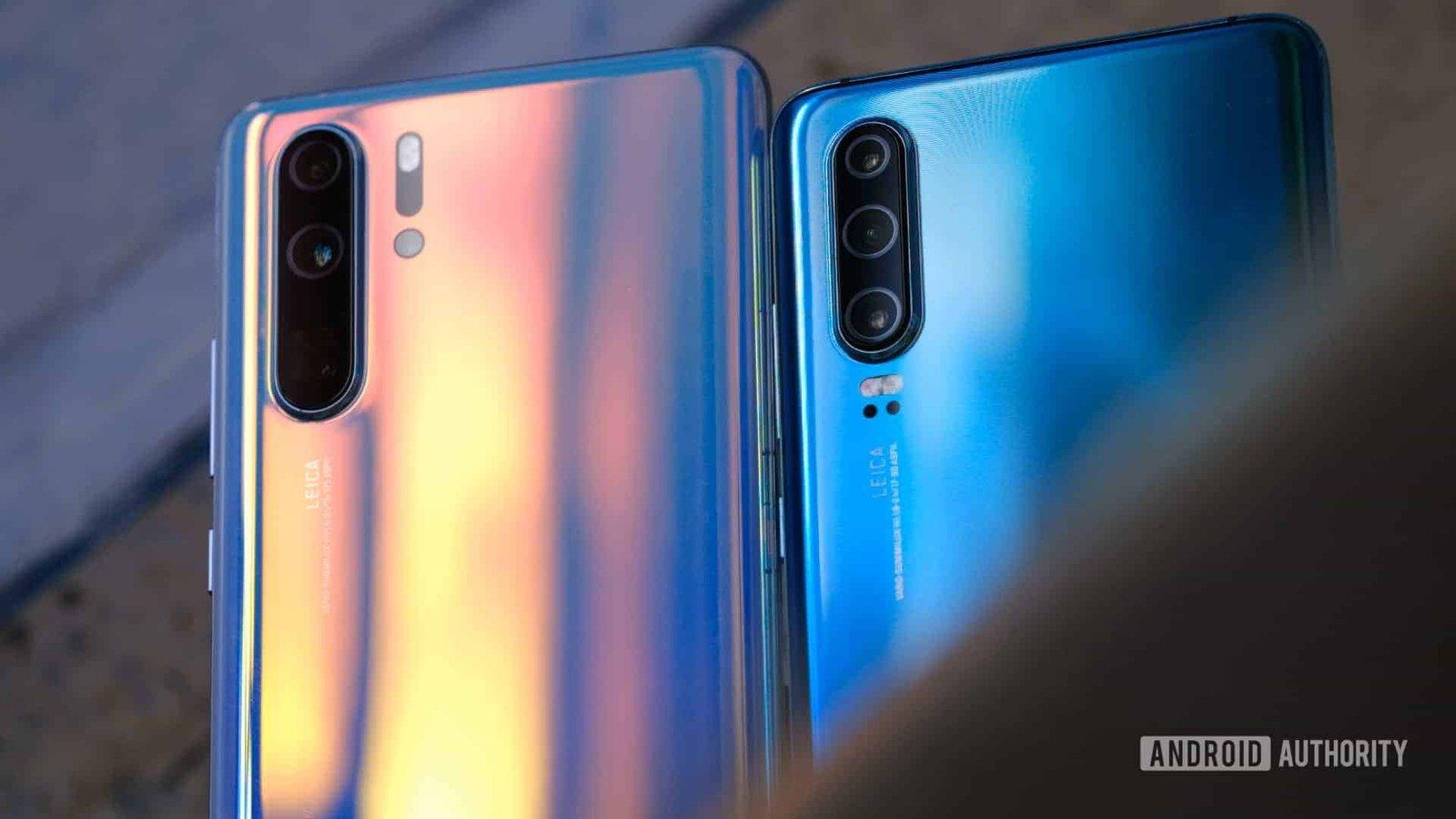 Huawei-P30-Pro-and-Huawei-P30-backs.jpeg