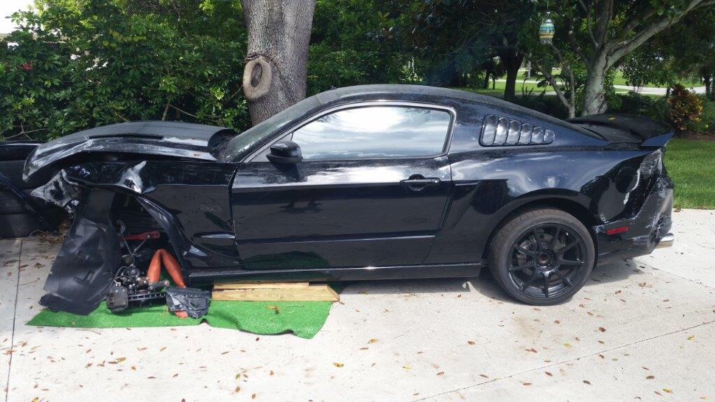 Feeler   wrecked 2014 gt 6k miles track pack, brembos, recaros and