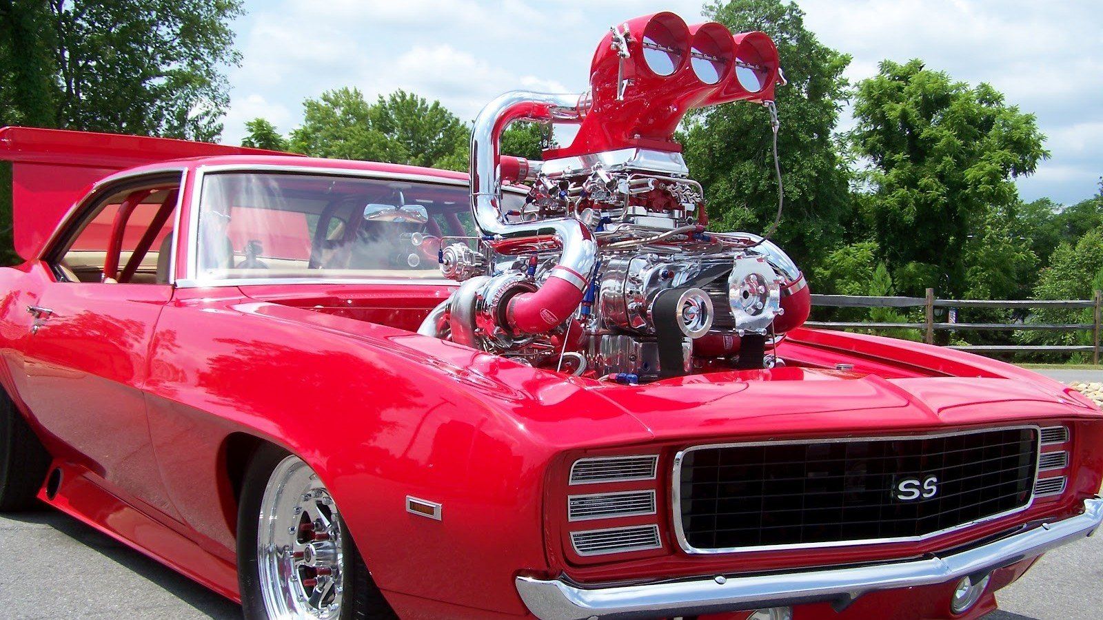 muscle-car-engine-showdown-0.jpg