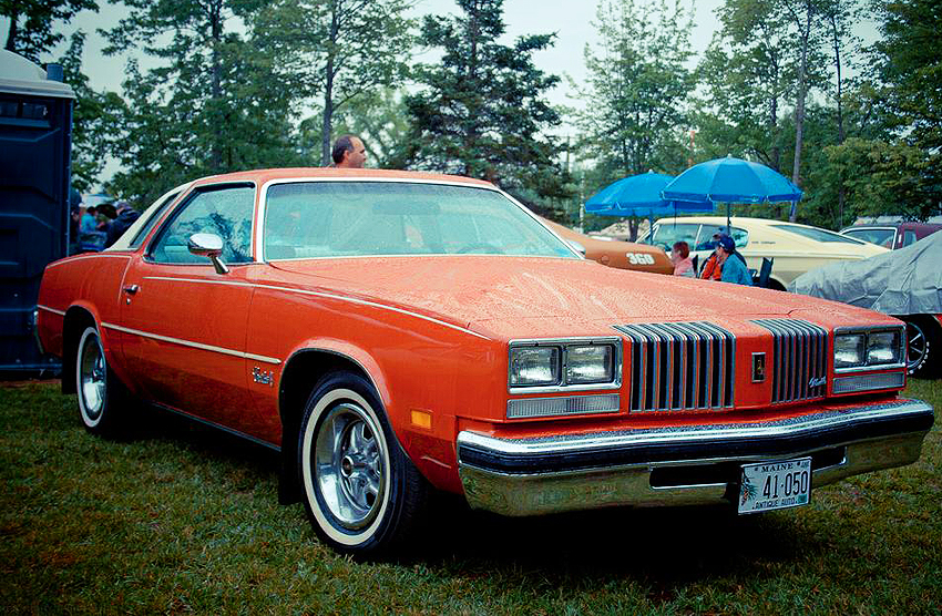 Oldsmobile-1976-Cutlass-Supreme.jpg