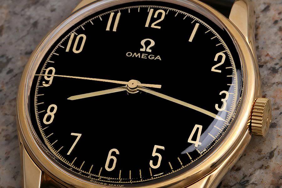 omega-gold-blk-64-02.jpeg