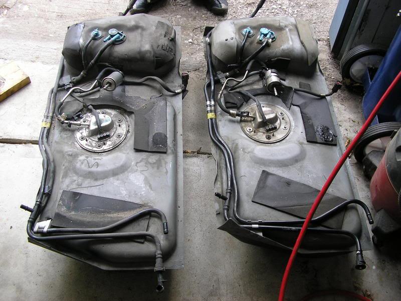 03 Cobra Fuel Tank Vs  99  Fuel Tank