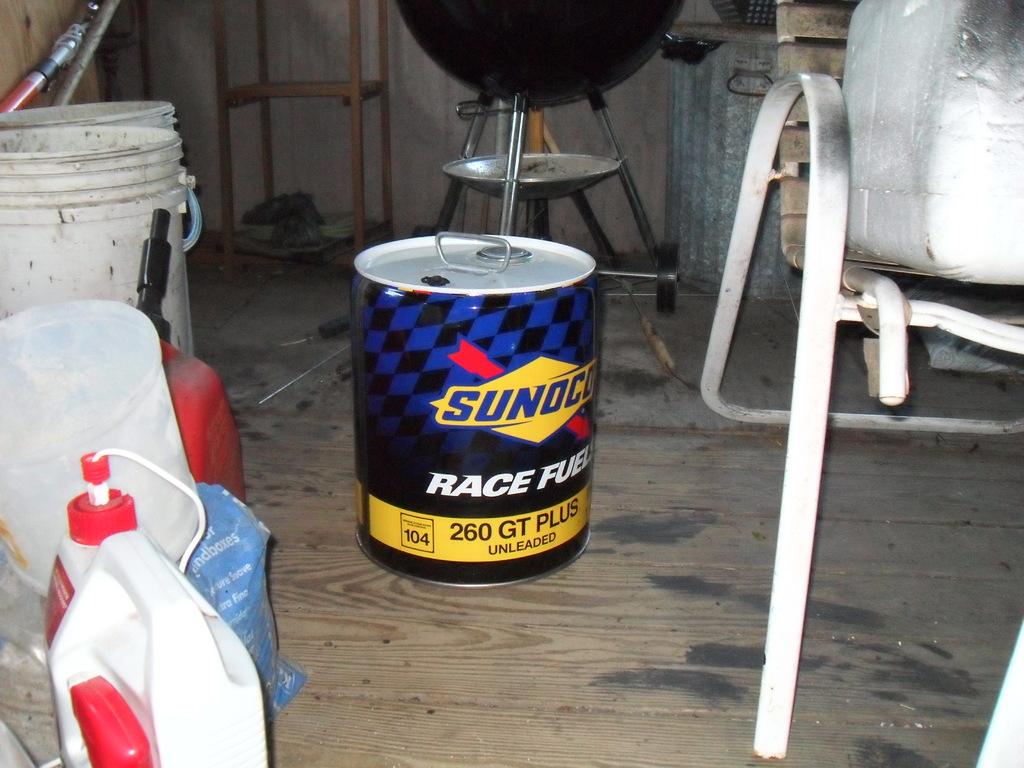 5 gallon pails of Sunoco 260 GT near North Jersey