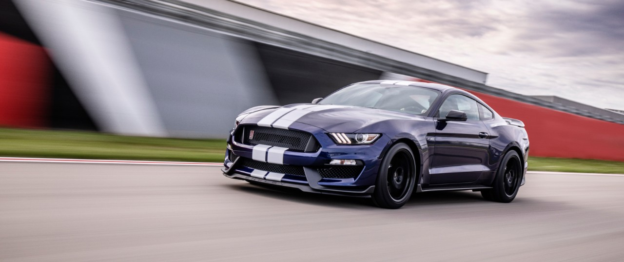 ShelbyGT350_02_HR.jpeg
